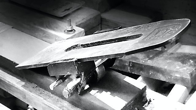 what is sharpening?, plane iron in guide