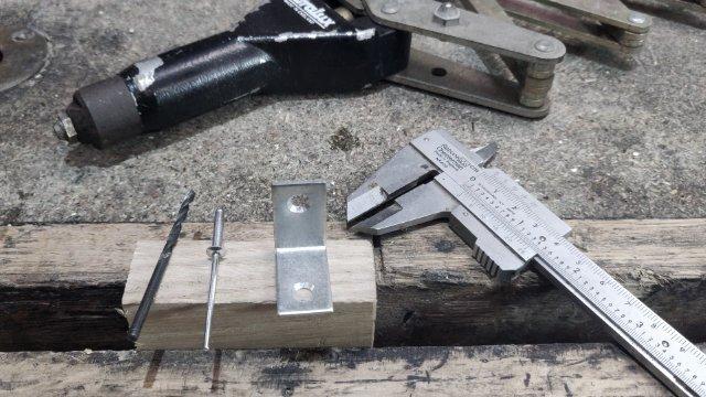 how to pop rivet wood
